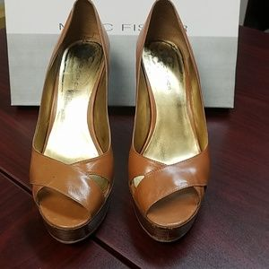 Marc Fisher brown pumps